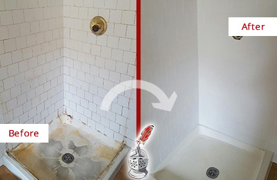 Before and After Picture of a Hawthorne Shower Cleaned to Eliminate Mold